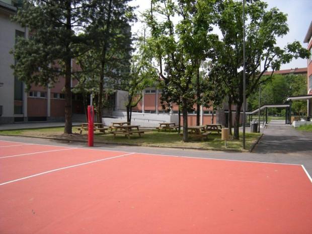 2008 Scuola elementare Pascoli. Area gioco