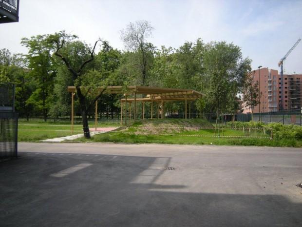 2008 Scuola elementare Pascoli. Pergolato